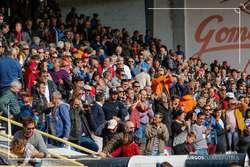 Aficionados burgalesistas aplauden al equipo a la conclusión del encuentro ante el Atlético B.
