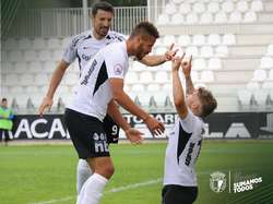 Juanma celebra su gol.