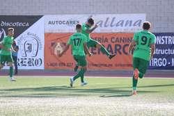 Pisculichi celebra su gol, el primero como blanquinegro.