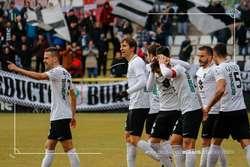 La plantilla celebra uno de los goles anotados ante la Ponferradina.